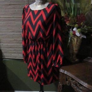 MY MICHELLE!>RED & BLACK V-DRESS